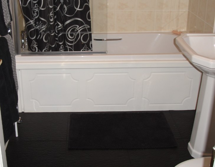why pvc floors tiles could be what you need for your bathroom uk rh ukhomeimprovement co uk plastic bathroom floor cabinets Vinyl Bathroom Flooring